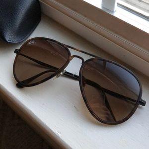 Light Ray Ray-Ban Aviator Sunglasses
